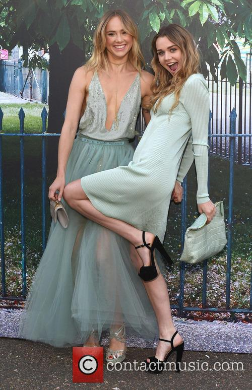 Suki Waterhouse and Immy Waterhouse 5
