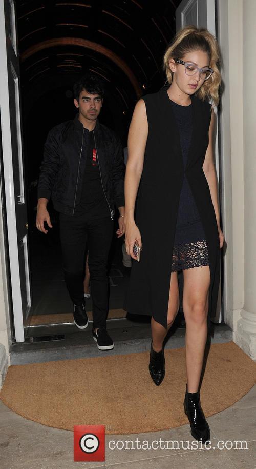 Joe Jonas and Gigi Hadid 7