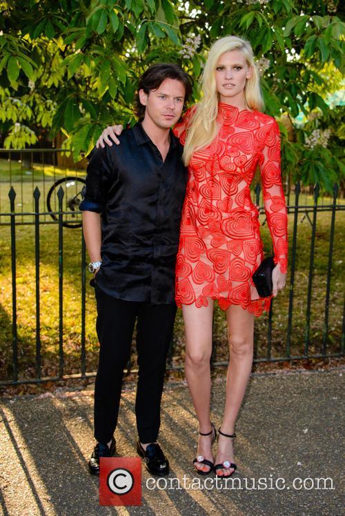 Lara Stone and Christopher Kane 6