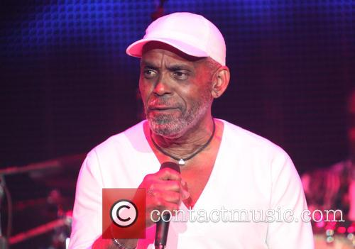 Maze Featuring Frankie Beverly 5