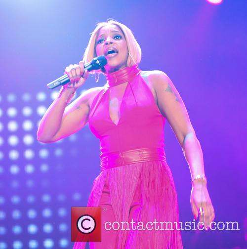 Mary J Blige performs at the 2015 Essence...