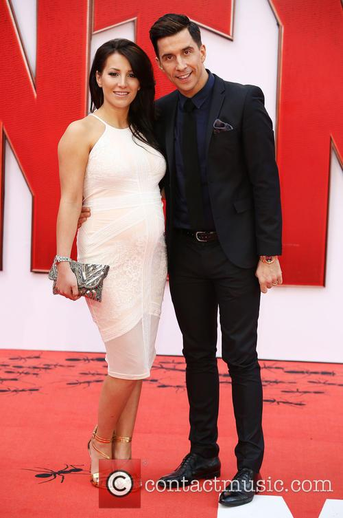Lindsey Cole and Russell Kane 6
