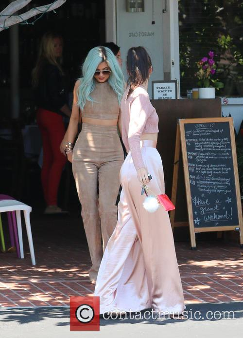 Kylie Jenner and Kendall Jenner 5