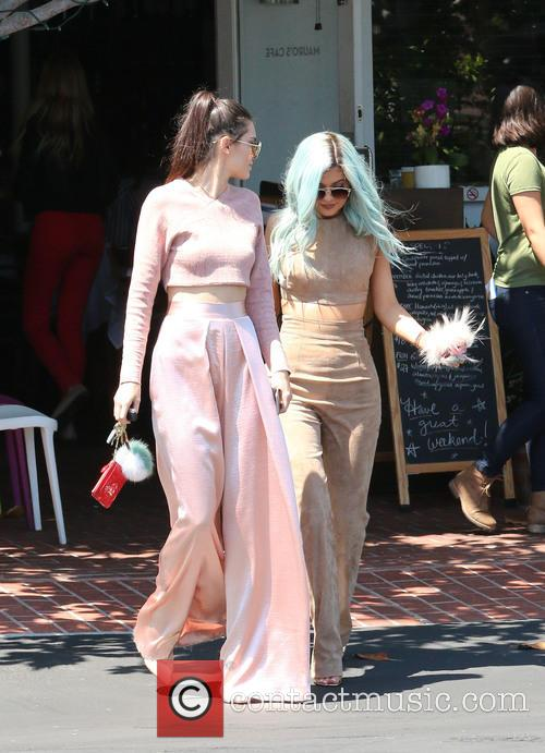 Kylie Jenner and Kendall Jenner 11