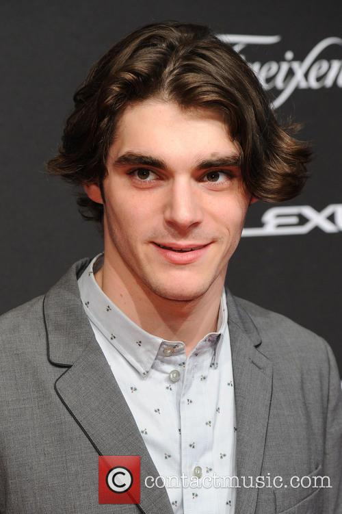 Roy Frank Mitte and Rj Mitte 7