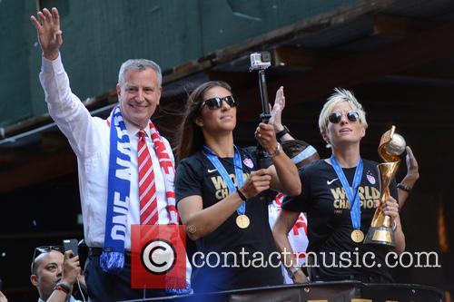 Bill De Blasio, Carli Lloyd and Megan Rapinoe 2