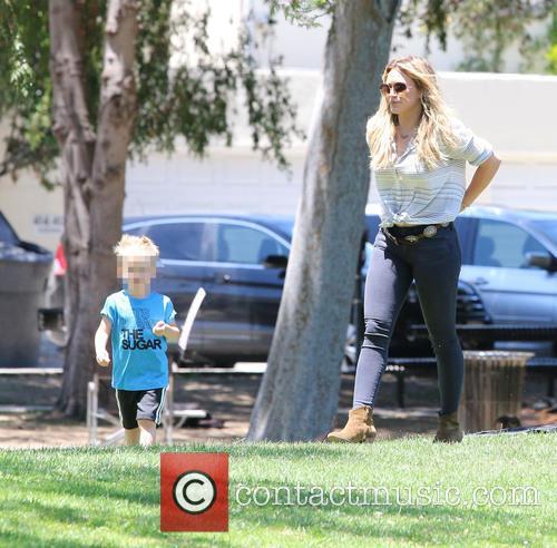 Hilary Duff and Luca Cruz Comrie 8