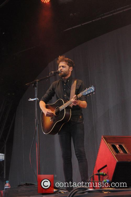 Passenger performs at the Summer Series