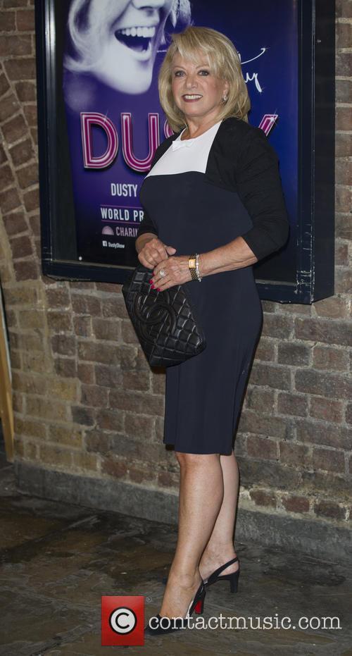 Elaine Paige 3