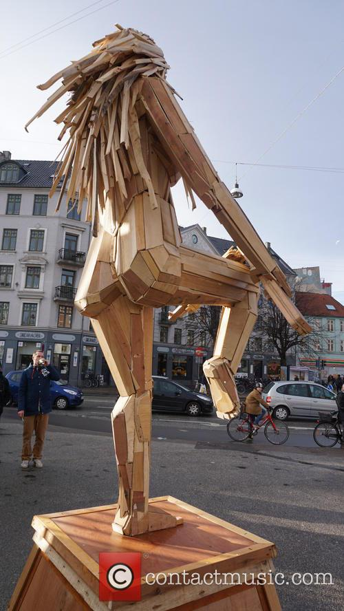 What A Load of Scrap! Artist Creates Giants...