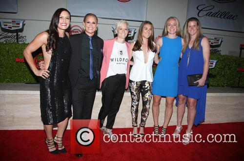 Becky Sauerbrunn, Kelley O'hara, Megan Rapinoe, Ali Krieger, Ashlyn Harris, Alyssa Naher and Abby Wambach 3