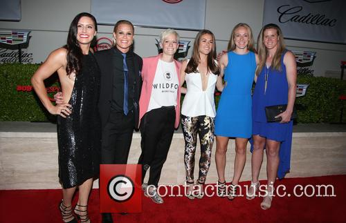 Becky Sauerbrunn, Kelley O'hara, Megan Rapinoe, Ali Krieger, Ashlyn Harris, Alyssa Naher and Abby Wambach 5