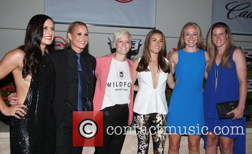 Becky Sauerbrunn, Kelley O'hara, Megan Rapinoe, Ali Krieger, Ashlyn Harris, Alyssa Naher and Abby Wambach 7