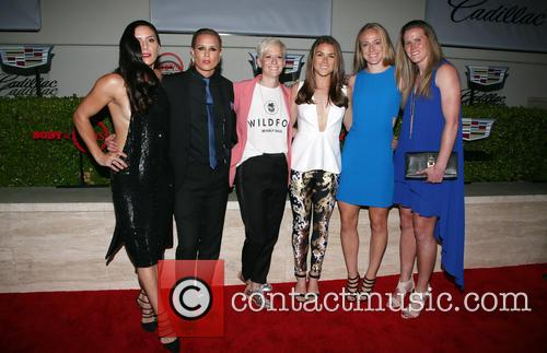 Becky Sauerbrunn, Kelley O'hara, Megan Rapinoe, Ali Krieger, Ashlyn Harris, Alyssa Naher and Abby Wambach 8
