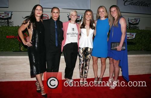Becky Sauerbrunn, Kelley O'hara, Megan Rapinoe, Ali Krieger, Ashlyn Harris, Alyssa Naher and Abby Wambach 9