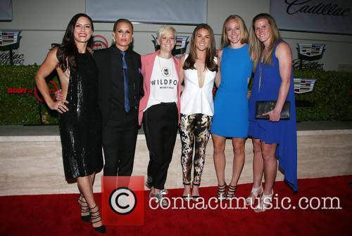 Becky Sauerbrunn, Kelley O'hara, Megan Rapinoe, Ali Krieger, Ashlyn Harris, Alyssa Naher and Abby Wambach 10