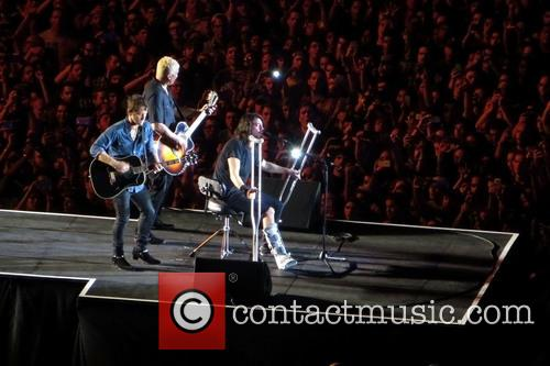 Dave Grohl, Chris Shiflett and Pat Smear 7