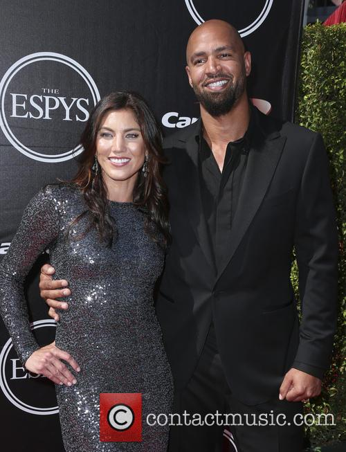 Hope Solo and Jerramy Stevens 1