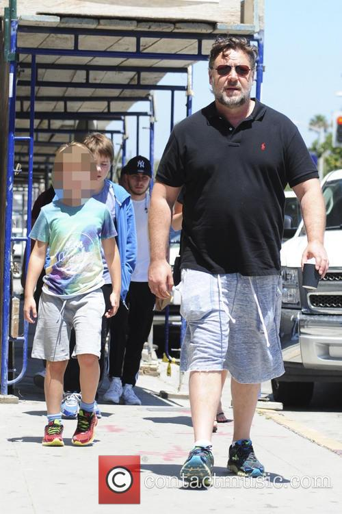 Russell Crowe and Tennyson Spencer Crowe 8