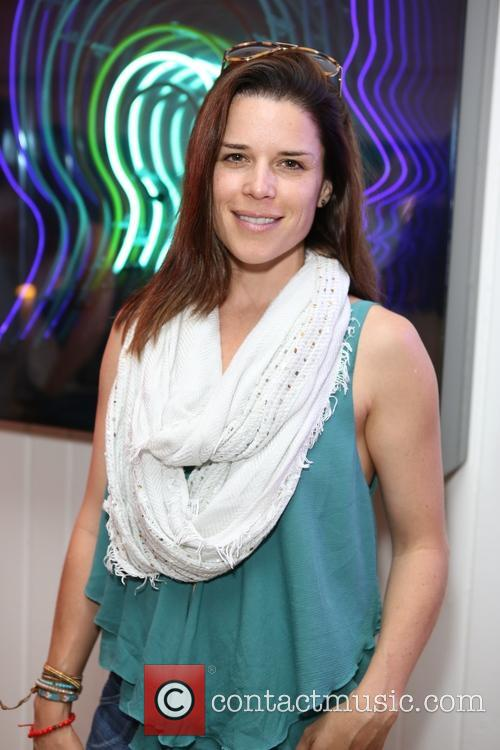 Neve Campbell 3