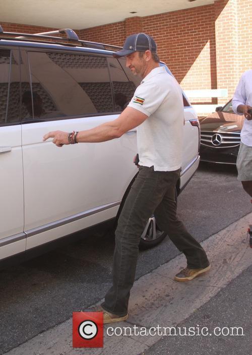 Gerard Butler leaving a medical building in Beverly...