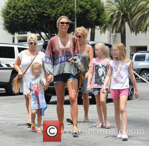 Alex Gerrard_family, Alex Gerrard, Lourdes Gerrard, Lilly-ella Gerrard, Lexie Gerrard, Julie Gerrard and Kim Curran 5