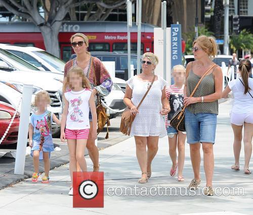Alex Gerrard_family, Alex Gerrard, Lourdes Gerrard, Lilly-ella Gerrard, Lexie Gerrard, Julie Gerrard and Kim Curran 7