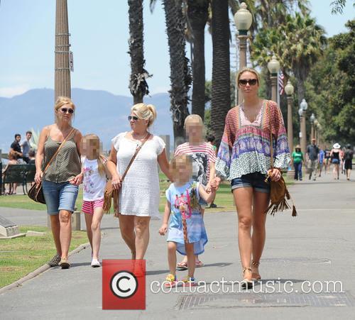Alex Gerrard_family, Alex Gerrard, Lourdes Gerrard, Lilly-ella Gerrard, Lexie Gerrard, Julie Gerrard and Kim Curran 10