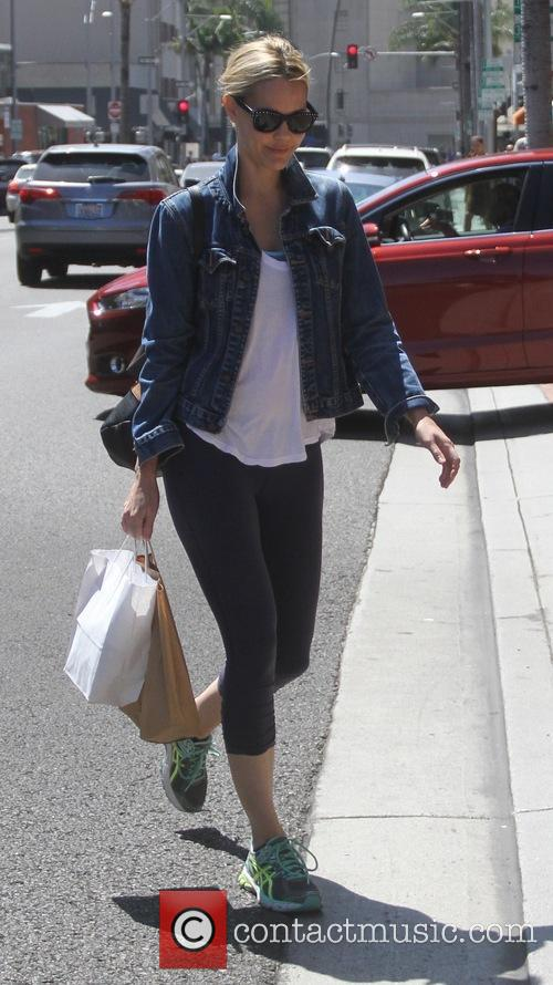 Leslie Bibb goes shopping in Beverly Hills