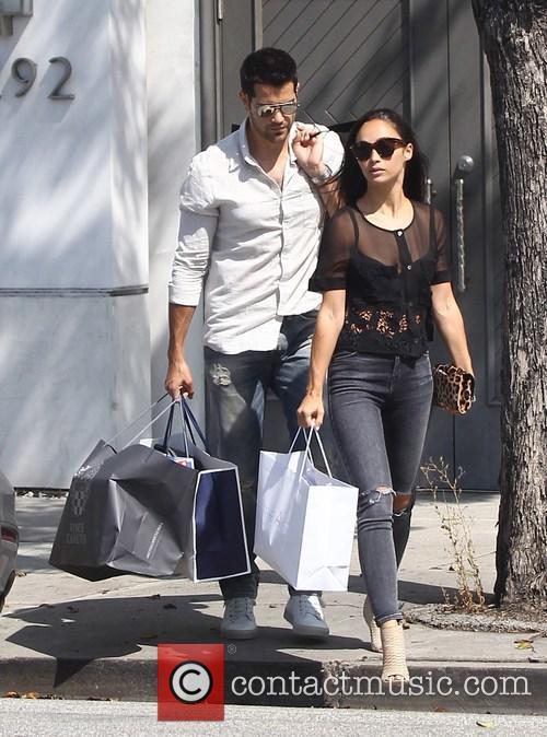 Cara Santana and Jesse Metcalfe 4