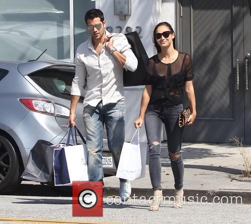 Jesse Metcalfe and Cara Santana on a shopping...