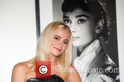 Pixie Lott visits the Audrey Hepburn exhibition
