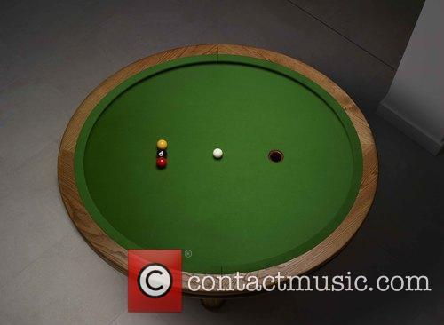 Elliptical and Loop' Pool Table 2