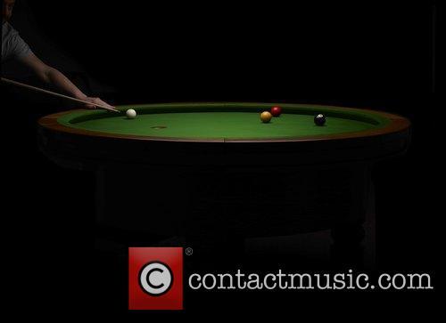 Elliptical and Loop' Pool Table 4