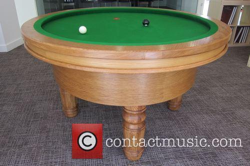 Elliptical and Loop' Pool Table 1