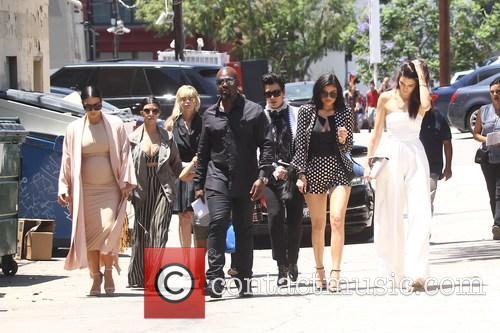 Kim Kardashian, Khloe Kardashian, Kris Jenner, Kendal Jenner and Kylie Jenner 6