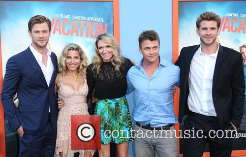 Chris Hemsworth, Elsa Pataky, Samantha Hemsworth, Luke Hemsworth and Liam Hemsworth 3