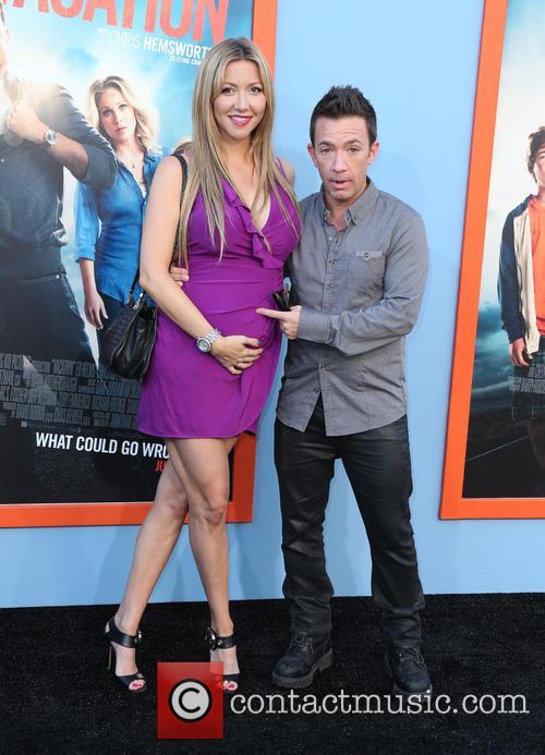 Lindsay Bronson and David Faustino 4