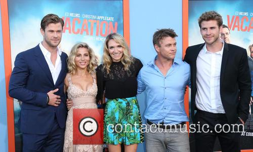 Chris Hemsworth, Elsa Pataky, Samantha Hemsworth, Luke Hemsworth and Liam Hemsworth 7