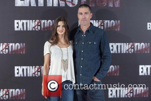 Clara Lago and Matthew Fox 1