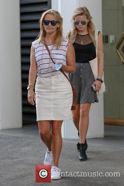 Reese Witherspoon and Ava Elizabeth Phillippe 5