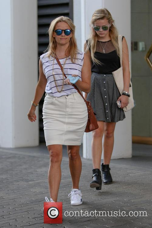 Reese Witherspoon and Ava Elizabeth Phillippe 7