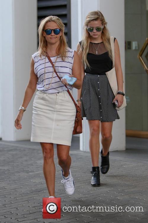 Reese Witherspoon and Ava Elizabeth Phillippe 8