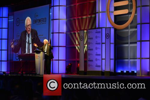 Democratic Presidential Hopeful U.s. Senator Bernard 'bernie' Sanders 4