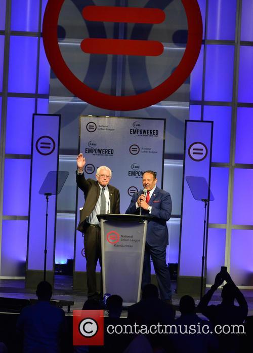 Democratic Presidential Hopeful U.s. Senator Bernard 'bernie' Sanders 6