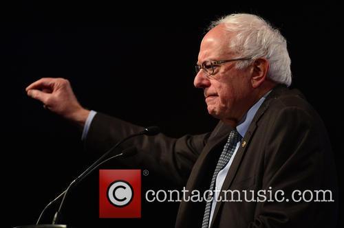 Democratic Presidential Hopeful U.s. Senator Bernard 'bernie' Sanders 10
