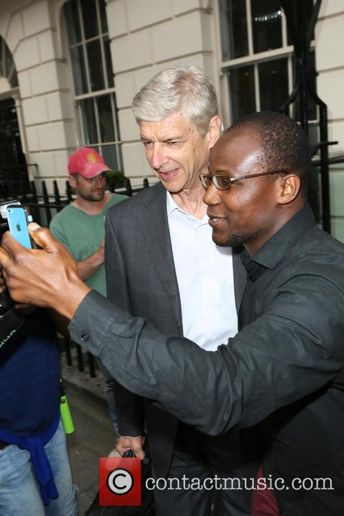 Arsene Wenger and Selfie Time 5