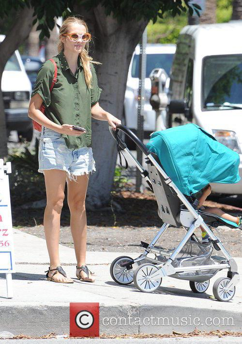 Teresa Palmer and Bodhi Webber 5