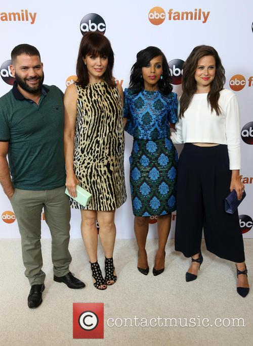 Guillermo Diaz, Bellamy Young, Kerry Washington and Katie Lowes 2