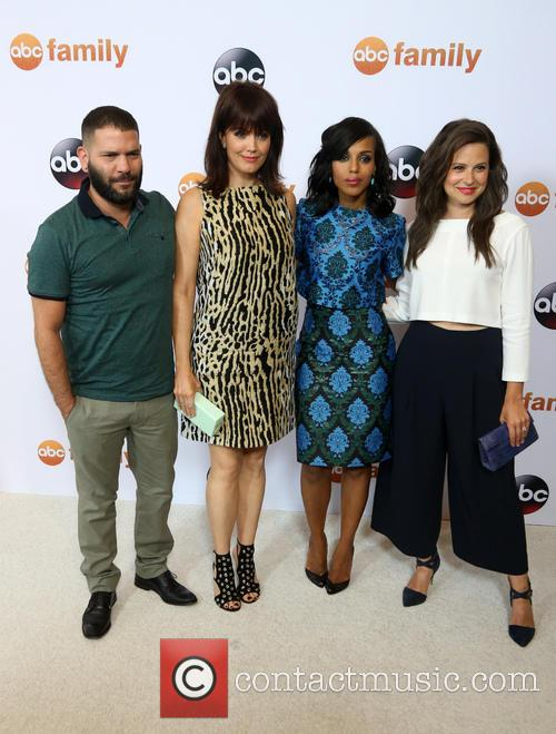 Guillermo Diaz, Bellamy Young, Kerry Washington and Katie Lowes 3